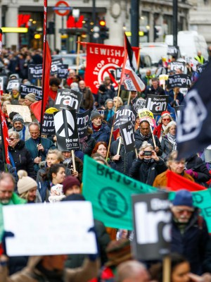 2020-01-11t132516z_2005365922_rc2pde9ap8u3_rtrmadp_3_iran-protest-britain