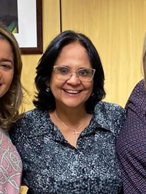 11-SITE-Graciela-Nienov_Ministra-Damares-Alves_Mical-Damasceno_Foto-de-Divulgação