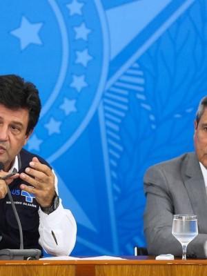 Os-ministros-da-Saude-Luiz-Henrique-Mandetta